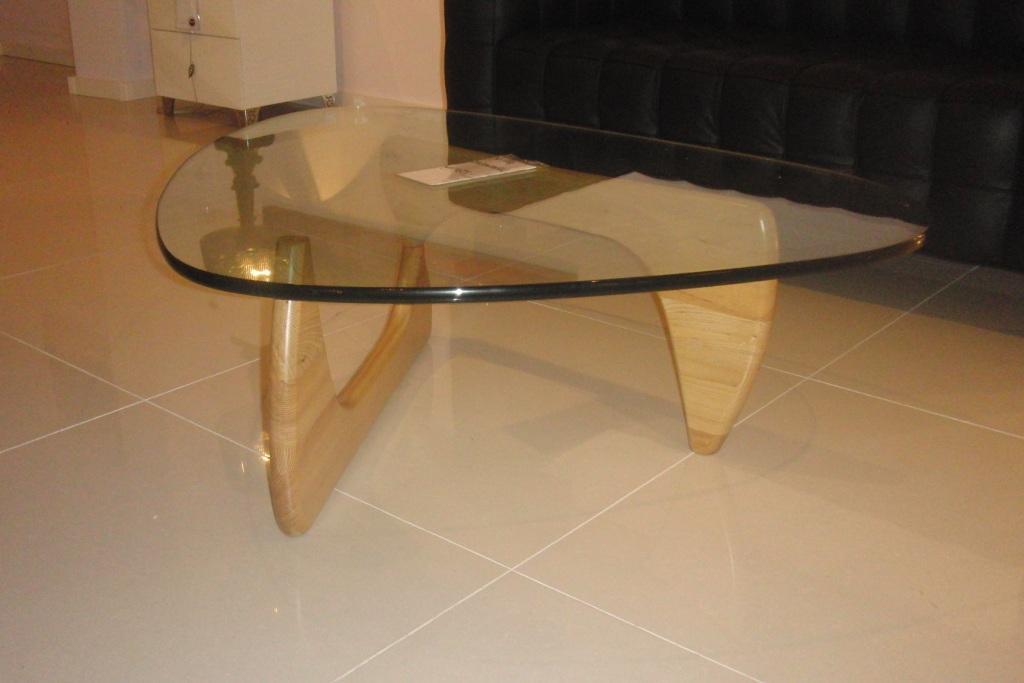 Cool noguchi design salontafel glas beuken of zwart hout for Replica design meubelen